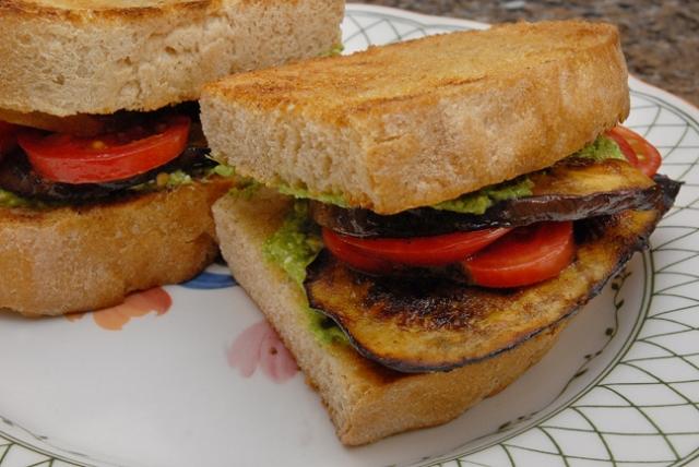 Mmmmmmmmmm sandwich